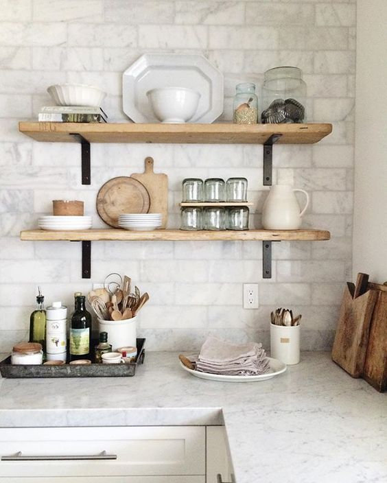Open shelving in the kitchen | Open shelf farmhouse style but minimalist and modern look