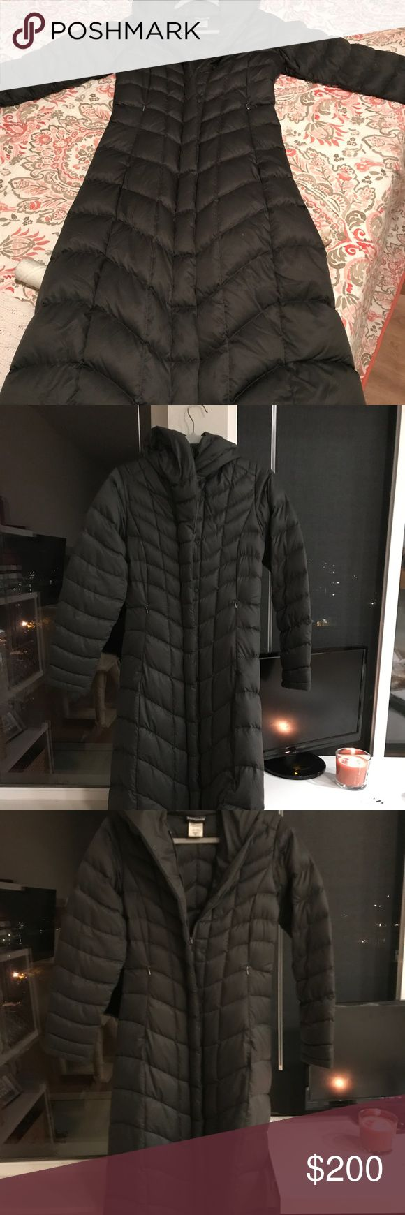 Patagonia Parka size XS Beautiful Patagonia parka size extra small. I used it for one season. It good condition Patagonia Jackets & Coats Puffers