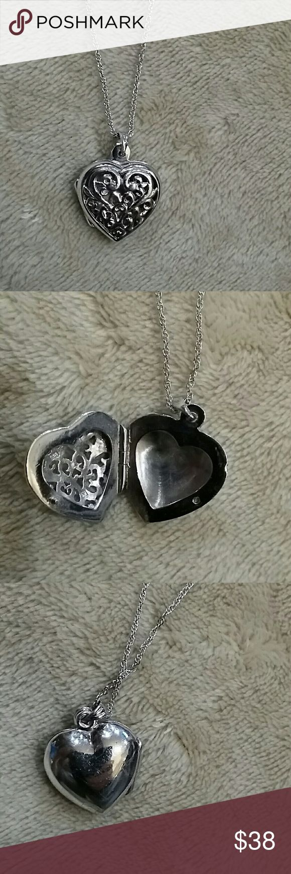 Estate Vintage Filigree Heart Locket 1945 This is a beautiful vintage sterling silver locket.  The necklace is 19\  and the locket is 1 inch. The bail chain & heart and are marked 925.  Total weight for the lot is 7.9 grams and is in excellent condition.  Please see photos for more details. Out of estate  No trades Estate Jewelry Necklaces
