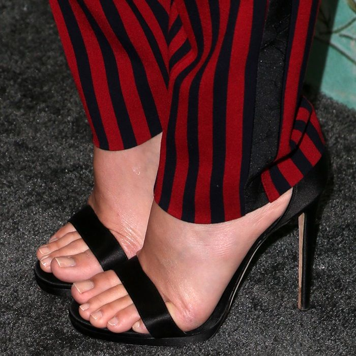 That interrupt pretty feet in heels