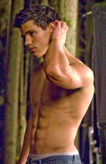pictures of taylor lautner in twilight | taylor_lautner_abs_shirtless shirt off Twilight_Eclipse New Moon ...