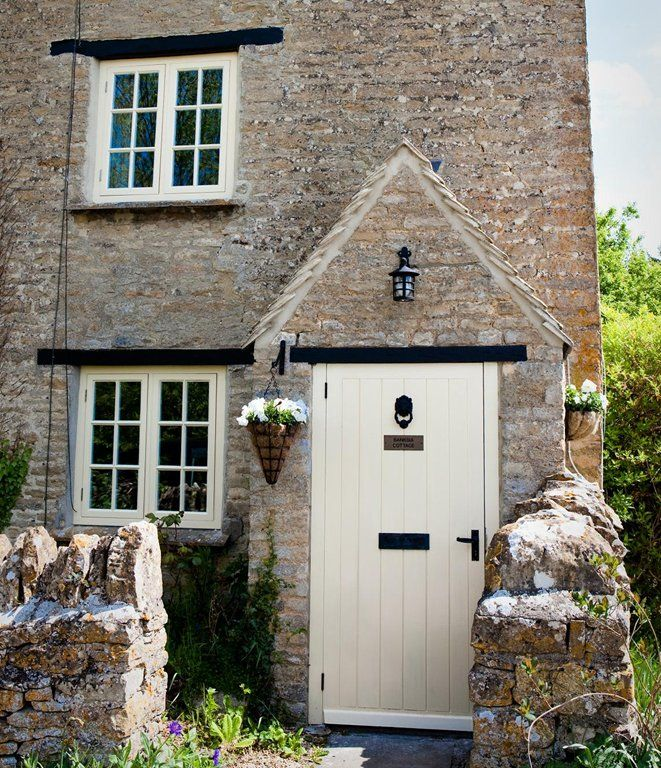 17 best ideas about cottage front doors on pinterest for Cottage style front doors