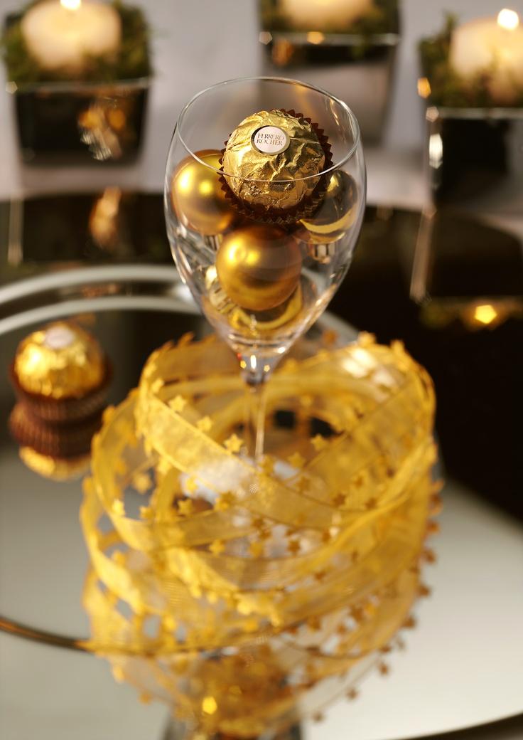 Decora la tua tavola con l'eleganza Ferrero Rocher.