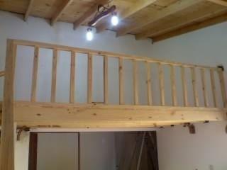 Entrepisos de madera altillos escaleras pergolas barandas - Escaleras para espacios pequenos ...