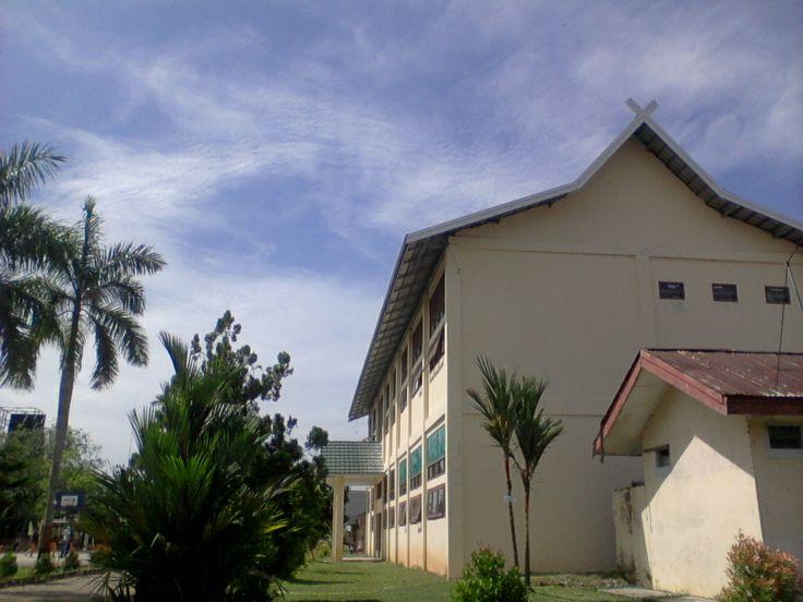 ini sekolah ku (: good view :)
