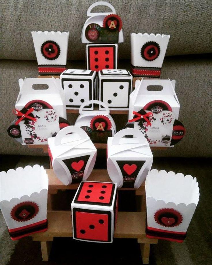 Fabricación de cajas de modelo #Dados para recuerdos tipo #Casino con motivo de los 15 años de la Srita. Ana #Box #Celebrity #Happy #Tucupita #MonChocolatte http://tipsrazzi.com/ipost/1524325032410746045/?code=BUnfYpvFAy9