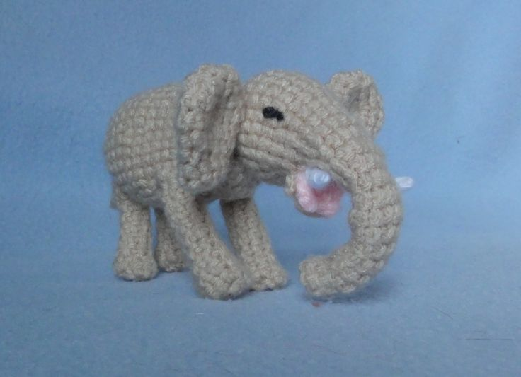 Elephant Boxers Knitting Pattern : elephant free pattern - French Crochet Other languages patterns - part 1 ...