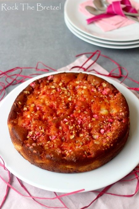 Gâteau lyonnais à la rhubarbe