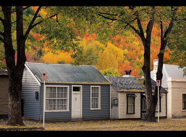 Cottages in Arrowtown, New Zealand by Paul.Simpson, via Flickr