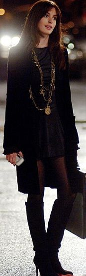 Anne Hathaway, 'Devil Wears Prada'. Personalmente me encanta vestirme toda de negro jeje.