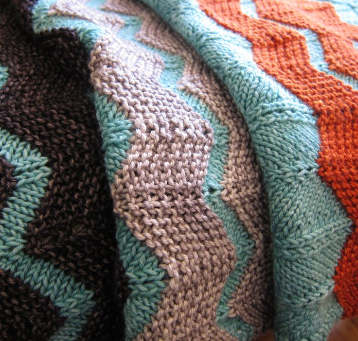 Knitting Pattern For A Throw Blanket : 25+ best ideas about Chevron Baby Blankets on Pinterest Chevron crochet, Ch...