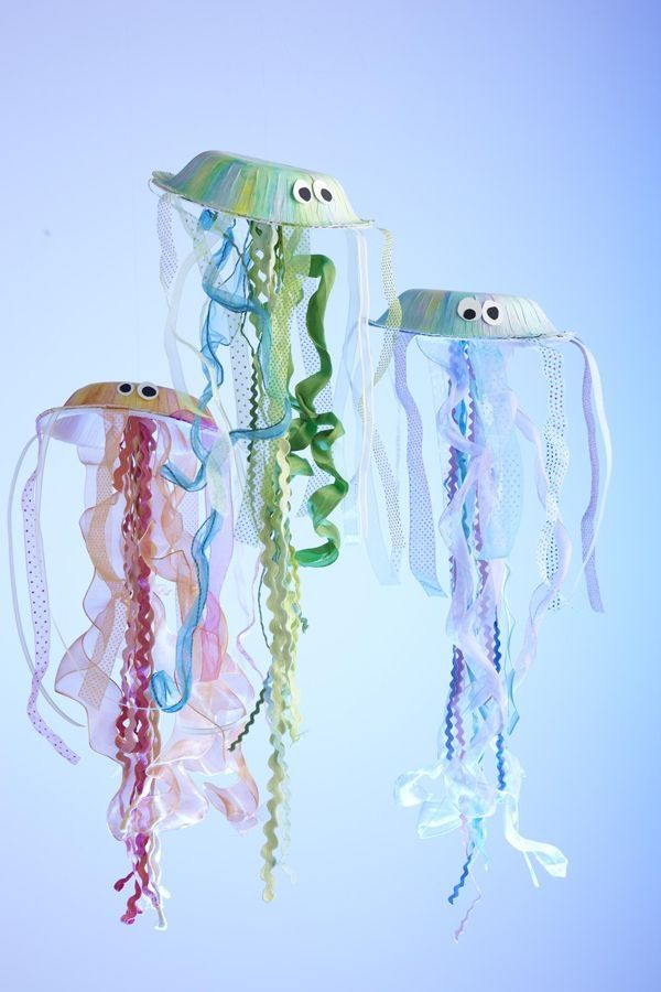 Jellyfish - go to scrapbooksetc.com to find the instructions on how to make these. Looks like fun and a good use of left over ribbons, yarn, rick rack, lace, etc