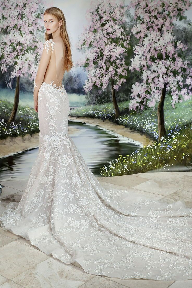 Gl M Couture Wedding Dress Trends More Galia Lahav Wedding Dress Trends Flowing Wedding Dresses Bridal Couture [ 1102 x 736 Pixel ]