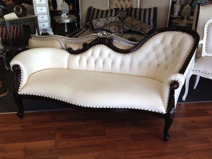 Chaise Lounge Victorian French Provincial Sofa Antique Reproduction Cream Longue