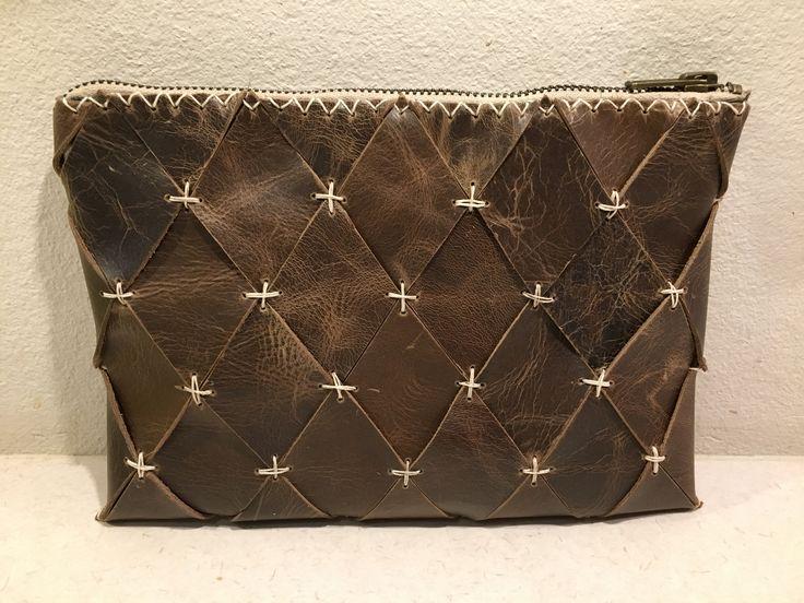 Taske lavet af harlekintern i skind