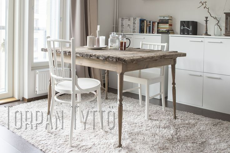 Diy dinner table for my city home. I just love it!