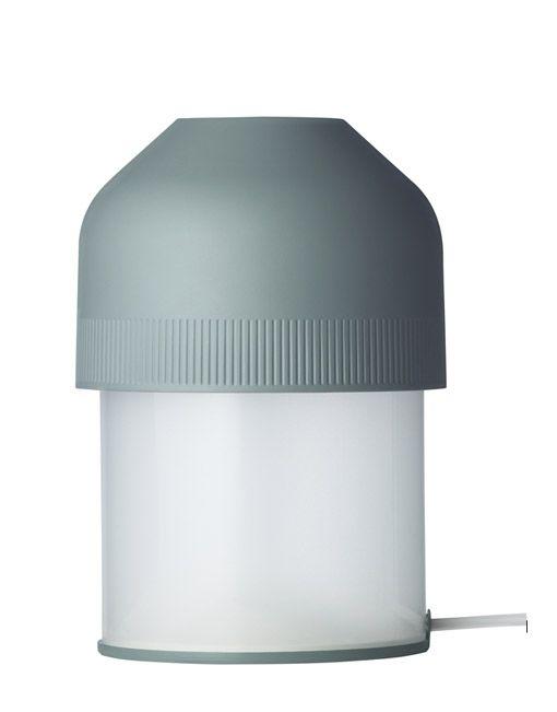 Las lámparas de mesa de diseño VOLUME están inspiradas en los botones de un amplificador estéreo original de la década de los 80s. La pantalla aproximadamente del tamaño de la palma de la mano,permite que uno aumente o disminuya la intensidad de la luz con bastante facilidad - con una simple rotación de la mano