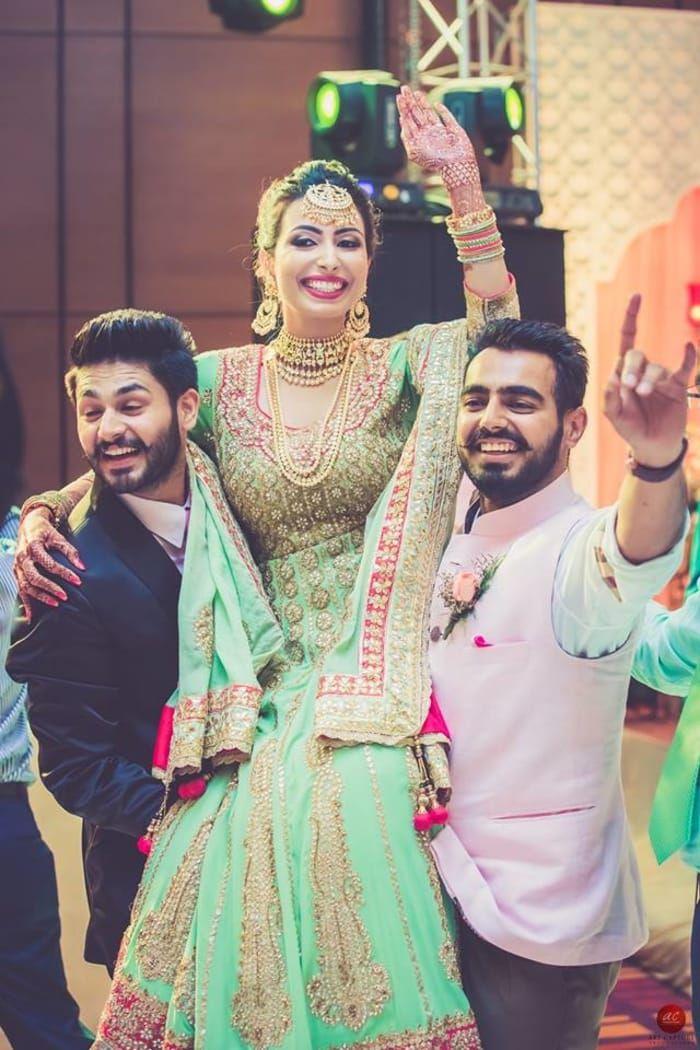 Choreographer - The Bride Naaz! Photos, Punjabi Culture, Beige Color, Sangeet Makeup, Mangtika, Antique Jewellery pictures, images, vendor credits - Brushes and More by Parul Duggal, Frontier Raas, Art Capture Production, WeddingPlz