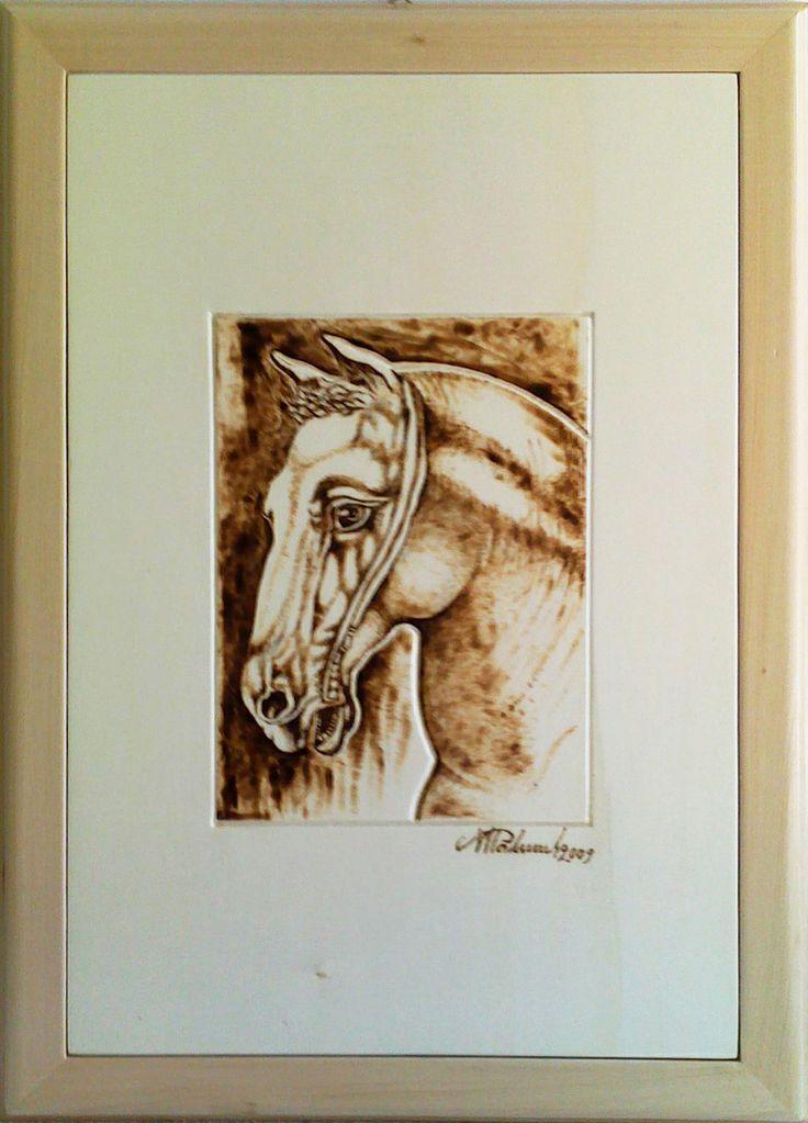 Ritratto di un cavallo, pirografia su legno di Palumbo Michele artista contemporaneo.  Visita il sito web: http://eticarte.altervista.org/
