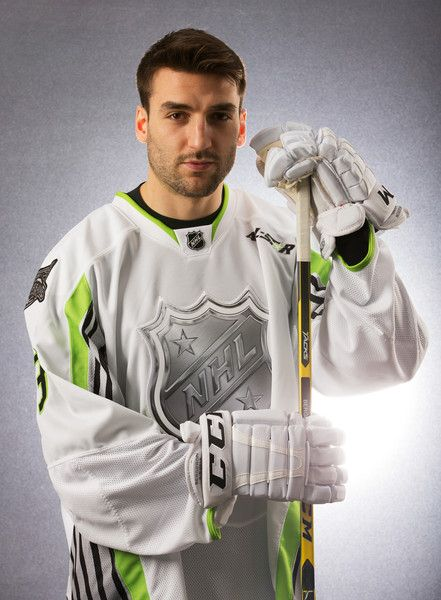 Patrice Bergeron Photos - 2015 Honda NHL All-Star Portraits - Zimbio