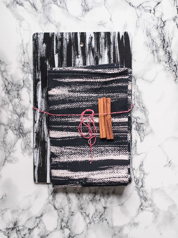 Somewhere | Double Pack: Strokes cutting board and kitchen towel
