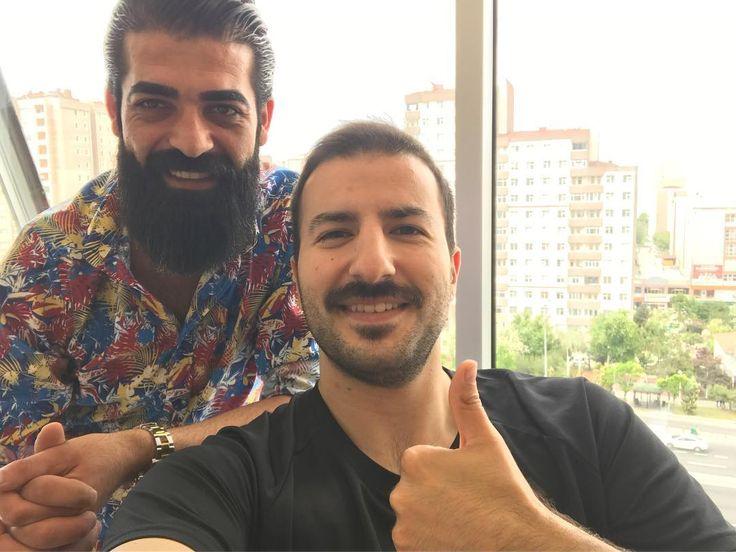 #ömerfaruk#kardeşim#hair#hairstyle#hairman#hairmen#beard#beardstyle#Maintenancetime#bakım#şart#saç#sakal#sakallı#adam#shave#selçukardaboutique#turkey#istanbul http://turkrazzi.com/ipost/1523979124744396295/?code=BUmQvCHgB4H