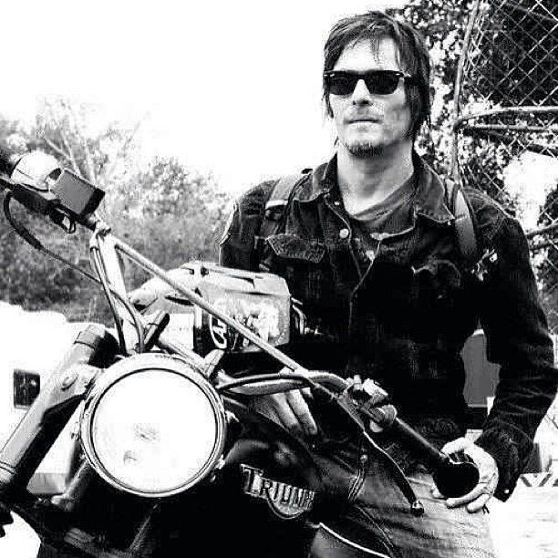 Why Would Daryl Choose A Motorcycle Wouldnt It Attract The Walkersits Efficient On Gasand Dont Give FUCK Norman Reedus Dixon Of