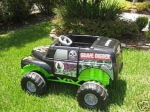 Hard to find Grave Digger Power wheels in Kenmore, WA (sells for $275)