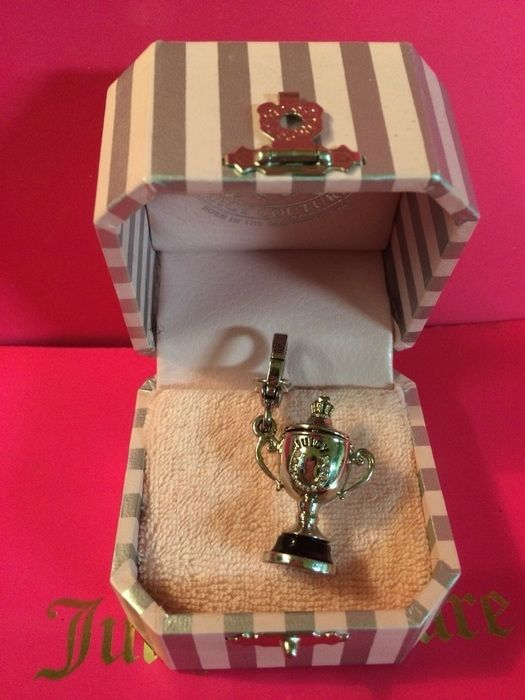 73 best Juicy Couture images on Pinterest   Juicy couture, Charm ...
