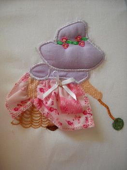 DESIGN PACK: Stump Work1 Sunbonnet Stump Work!!! Catch these adorable Sunbonnets playing and create them into beautiful quiltblocks, cushion covers or put them into picture frames. They use left over scraps of fabric, lace and water soluble.  Let your creativity run wild making these! http://tinyurl.com/gspasaw