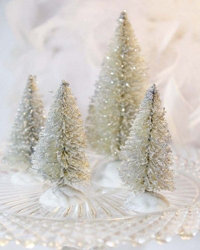 Silver bottle brush trees set of 4 holiday christmas decor for Bottle brush christmas tree decorations