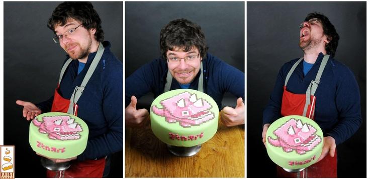 Frantz alias Ztnarf  Son blog: http://ztnarf.illustrateur.org/  Sa page facebook: http://www.facebook.com/ztnarf      Paint Cakes travaille en collaboration avec des artistes, 7% de chaque vente avec leur design leur sont reversés. Chaque gâteau est signé du nom de l'artiste.  Déco dinocube by ztnarf: 9,5€ la part    contact.paintcakes@gmail.com