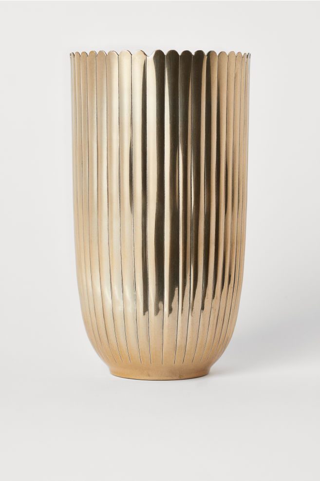 8a6275a003f4 H&M Tall Metal Vase - Gold in 2019 | vessels | Metal vase, Large ...