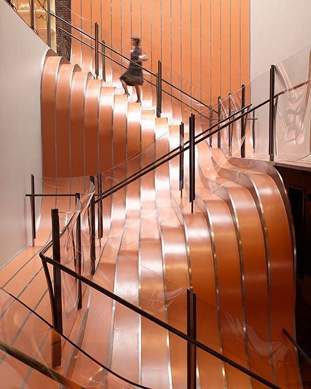 HeatherwickStudio for a longchamp store in NY and weighs 55 tons.