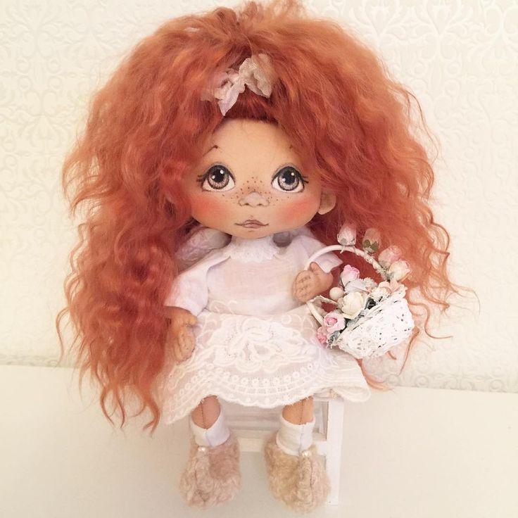 Ангелочек ищет маму .... #ангел #ангелок #ручнаяработа #ручная_работа #ручнаяавторскаяработа #ручная_авторская_работа #авторскаяработа #авторскаяручнаяработа #авторскаякукла #текстильнаякукла #куклаизткани #кукла #куколка #куклаинтерьерная #куклатекстильная #шью #создаю #создано_руками #малышка #handmade #handmadedolls #dollmaker #dolls #doll #творю #мастеркрафт