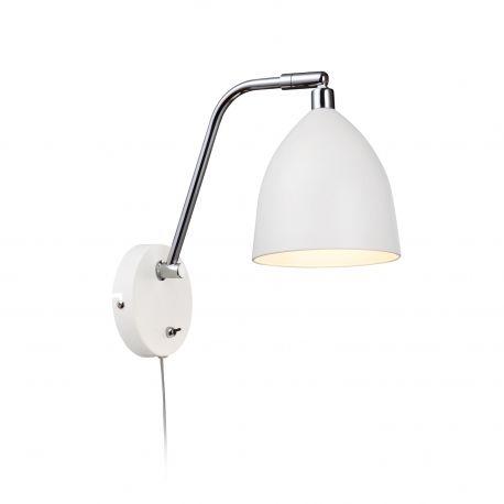 Nowoczesny stylowy kinkiet Fredrikshamn, to elegancka lampka ścienna o miłej stylistyce. Lampka wykonana z metalu z ruchomym regulowanym kloszem, sprawdzi się doskonale we wnętrzach Twojego mieszkania. Oświetli miejsce w kąciku do czytania, lub w sypialni jako lampka nocna.