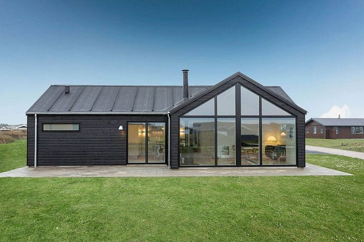 A gorgeous home that combines trendy contemporary design influences with timeless Scandinavian elegance and an unassuming charm, the Trend Summer House in Denmark designed by Skanlux leaves you enchanted.