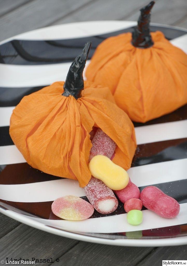 halloween,treats,godisgömma,diy,pyssel,karameller åt barnen,pumpa,pumpa av papper,dekoration höst