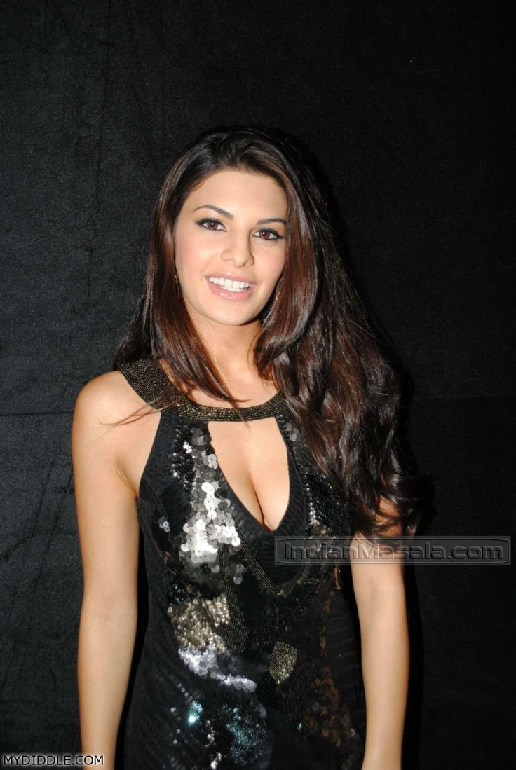 Jacqueline Fernandez spotted in a Spicy Black Gown Lovely Smile