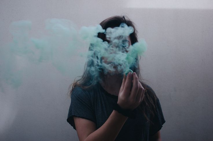 25+ best Smoking bomb images by Lam An on Pinterest   Colored smoke ...