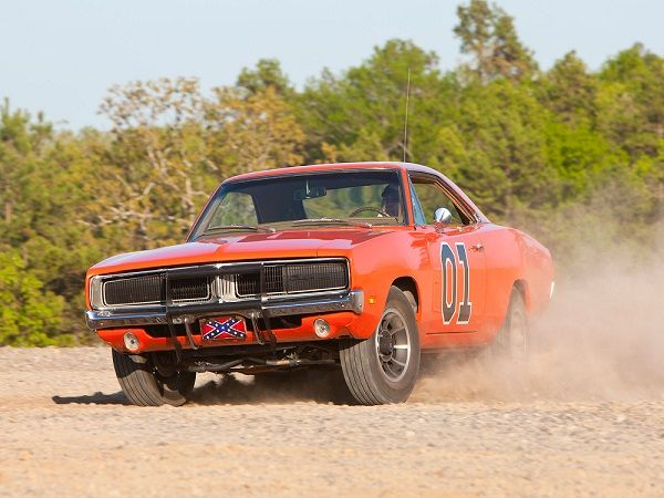 La vera star di Hazzard: la #Dodge Charger del 1969 di color arancione