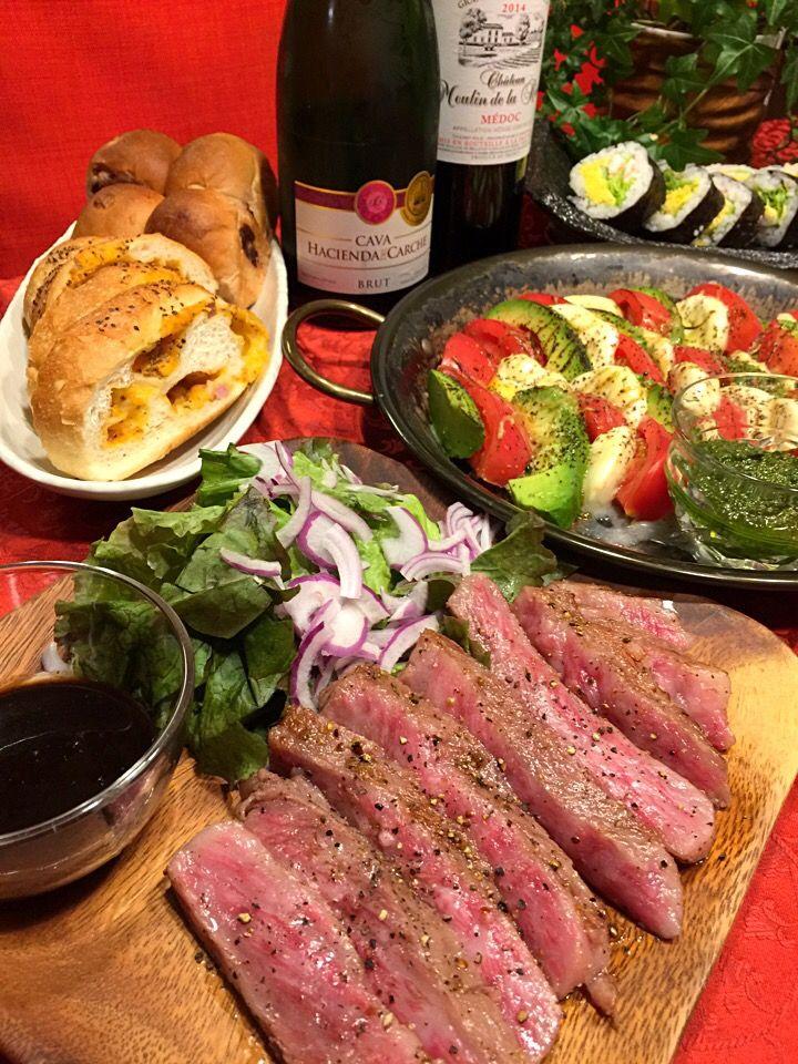 みな's dish photo 柔らかすぎるステーキ   http://snapdish.co #SnapDish #ステーキ #おつまみ #ワイン #お寿司 #テーブルブレッド