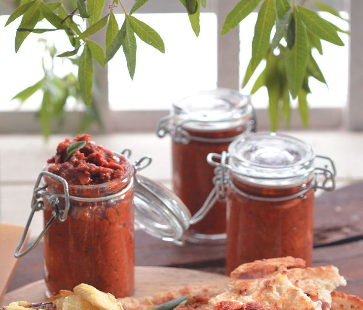 Sauces you can make for your braai! Barbeque, red pesto, and fruity mayo. Yum! #diy