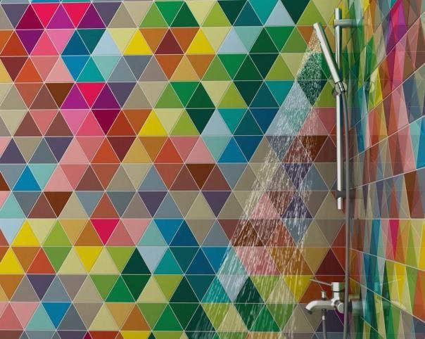 Diseñan azulejos que cambian de color con el agua para estimular la inteligencia de los niños.