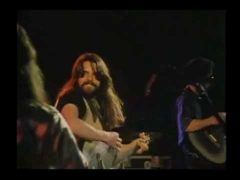 Bob Seger - Still The Same ('78)  He smiles through this entire performance. Oh, that voice.