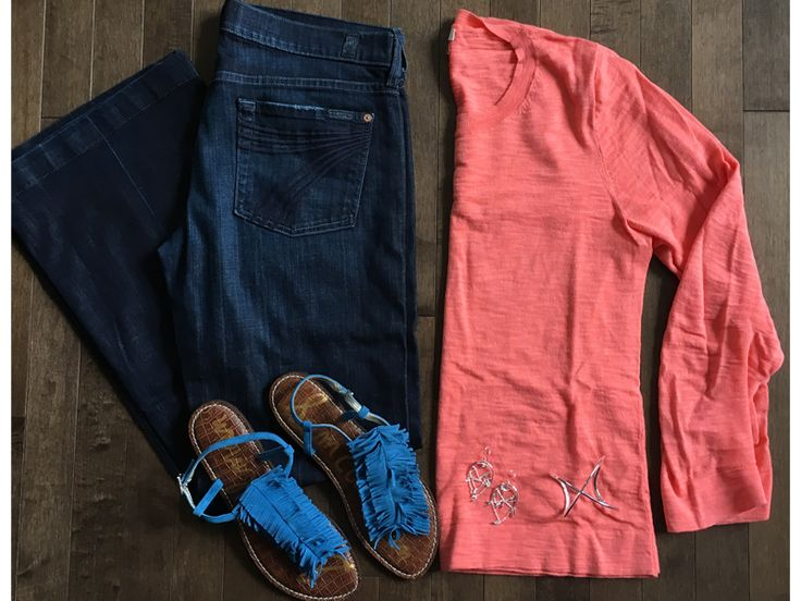 I love wearing color – in moderation! This bright coral sweater is a classic cut so the color doesn't seem as overwhelming – and I love these tassled sandals so much! I finished it with easy @stelladot silver jewelry! Plus, these dark flares are ultra-slimming! (plus, they're on sale!!!) Click the links & images below…