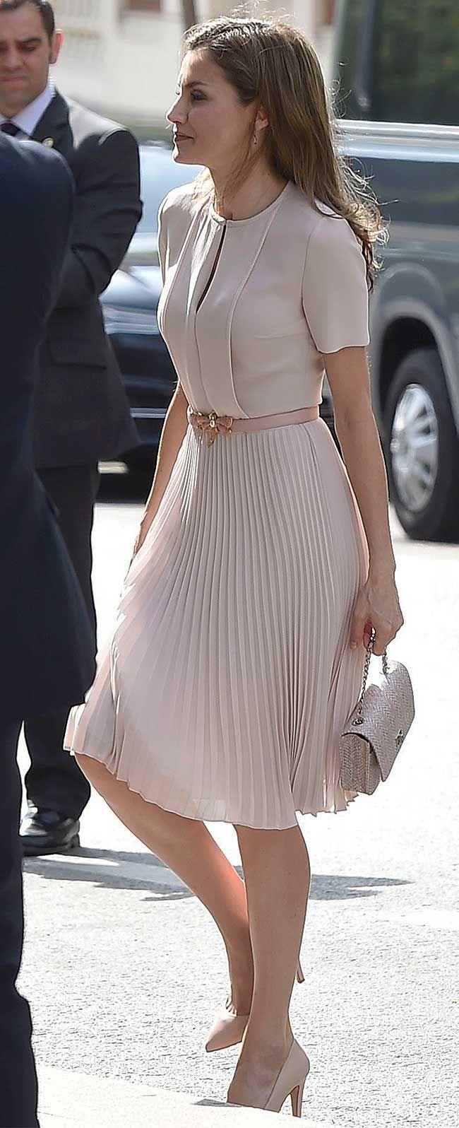La Reina Letizia acude al pleno anual con la Real …