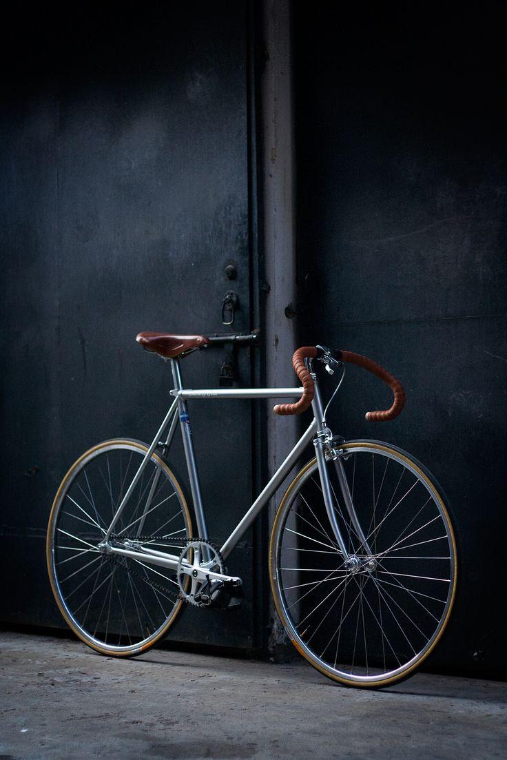 F5 Pista painted in metallic silver, Dope. #factoryfive #factory5 #webuildweride…