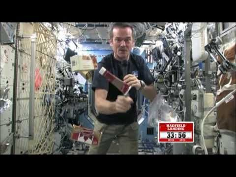 ▶ Chris Hadfield's best moments - YouTube