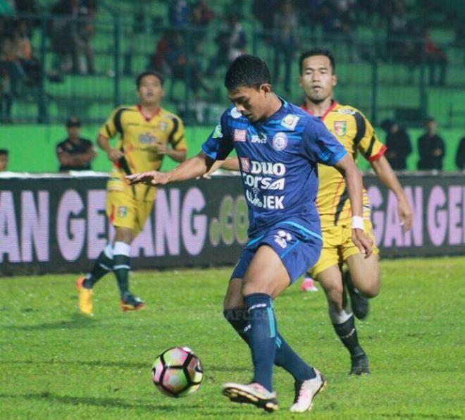Covesia.com - Mitra Kukar akan menjamu Arema FC dalam laga lanjutan pekan ke-25 Liga 1 di Stadion Aji Imbut, Tenggarong, Kutai Kartanegara, Kalimantan Timur,...